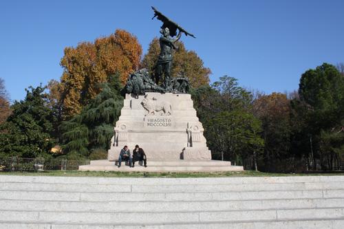 Monumento en la Plaza VIII de Agosto