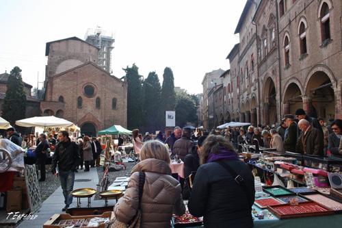 Plaza di Santo Stefano y mercadillo de antigüedades