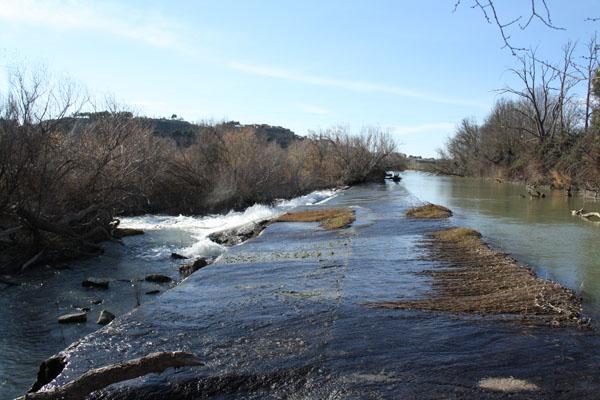 Azud en el río Ebro del Monasterio de Rueda