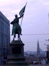 Bruselas. Escultura en la parte alta de la ciudad