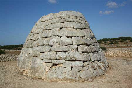Naveta D'es Tudons en Menorca