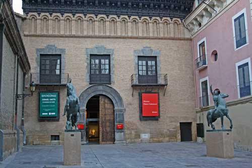 Plaza San Felipe. Museo Pablo Gargallo. Palacio de los Condes de Argillo