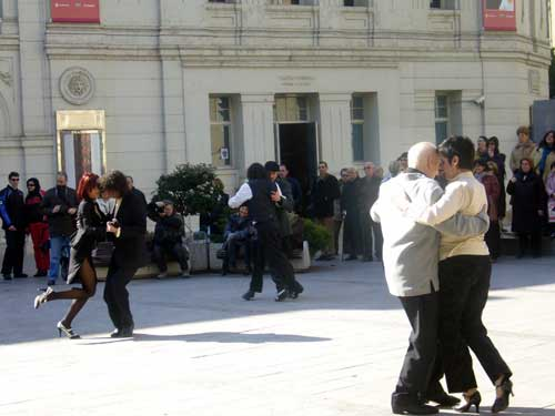 Plaza Sinués. Bailando Tango