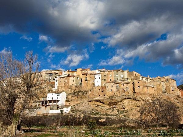 Nigüella vista desde el río Isuela.