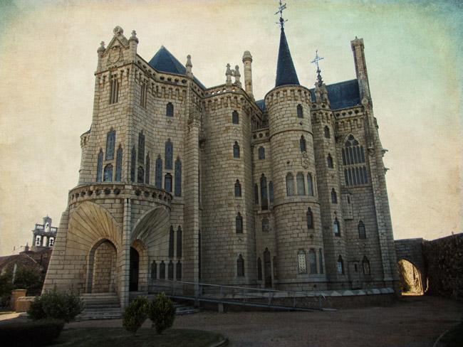 Astorga. Palacio episcopal construido por Gaudí