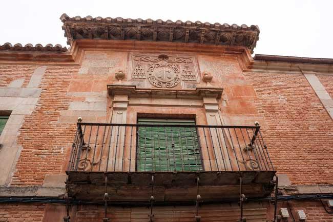 Villanueva de los Infantes. Escudo en fachada