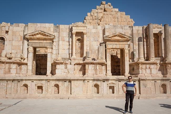 Escenario del teatro sur de Jerash. Jordania