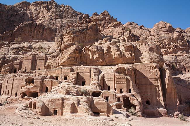 Petra. Calle de las fachadas