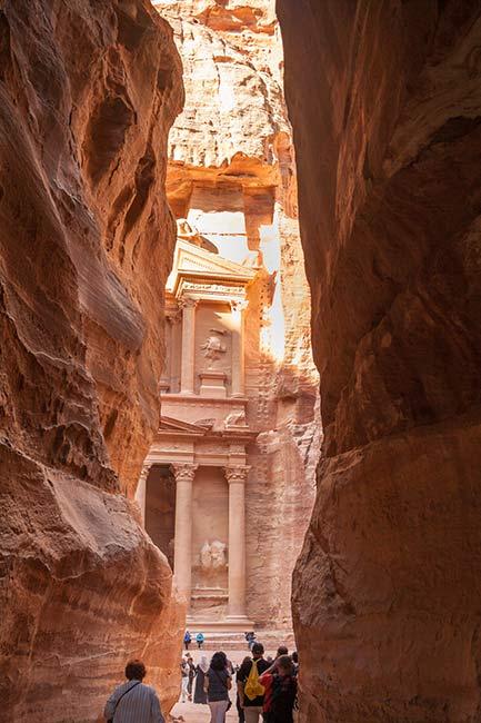 Petra. Salida de El Siq y llegada a la plaza donde está El Tesoro