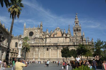 Sevilla. Catedral desde la plaza