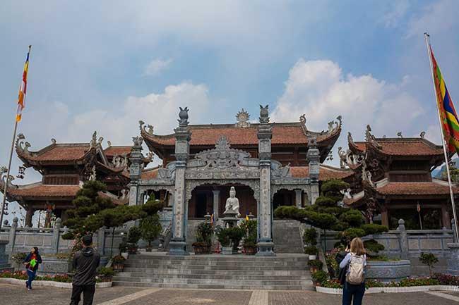 Fansipan. Templo a la entrada del teleférico