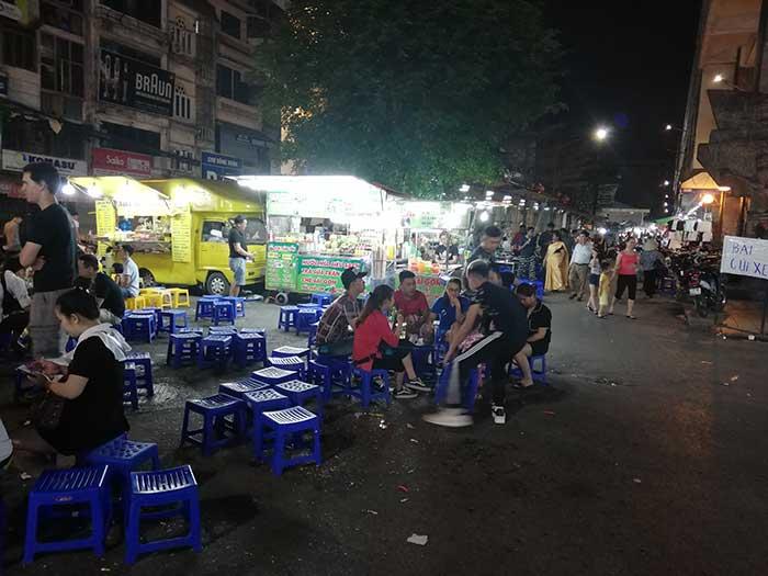 Hanoi barrio antiguo noche