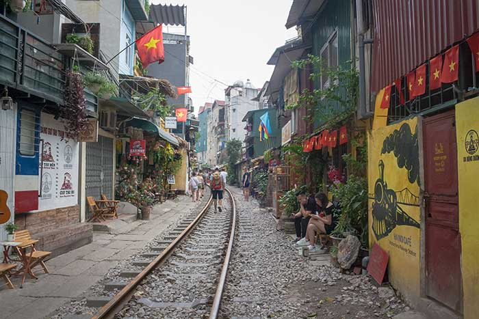Hanoi barrio antiguo via tren