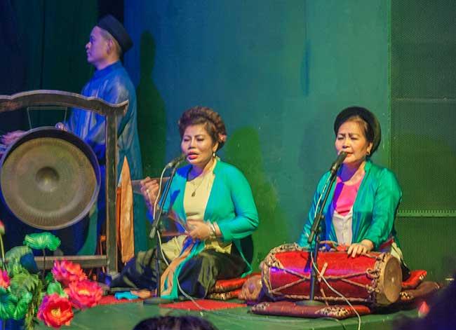 Hanoi. Cantantes del teatro de marionetas de agua.
