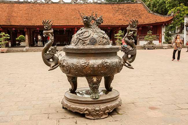 Hanoi. Templo de la literatura. Patio de los sabios.
