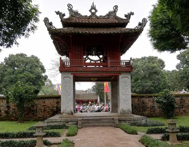 Vietnam. Templo de Literatura. Pabellón Khue Van Cac. Hanoi