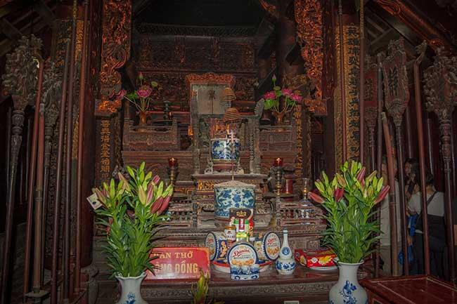 Orendas en la Pagoda Bich Dong