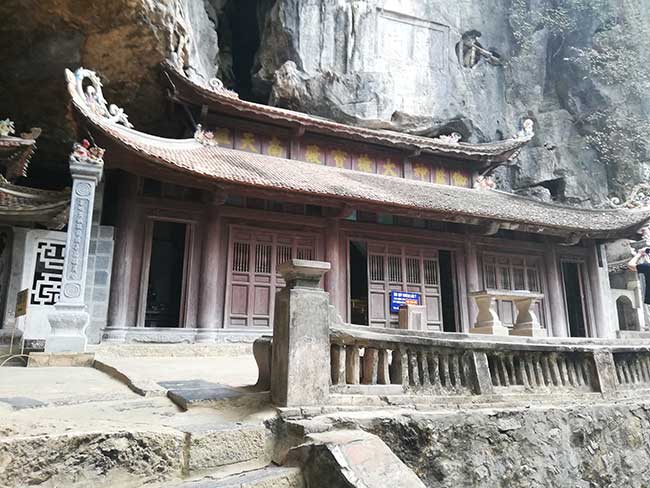 Pagoda Trung en la Pagoda Bich Dong