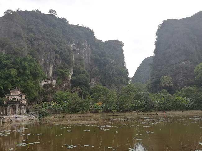 Entrada a la Pagoda Bich Dong