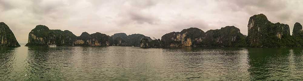 Panorámica de la bahía de Ha Long