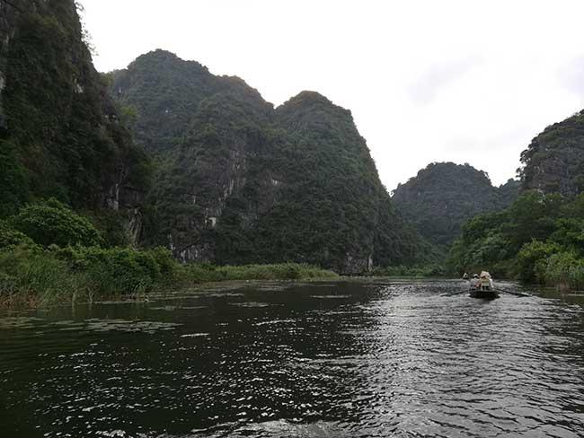 Tam Coc. Navegando entre arrozales