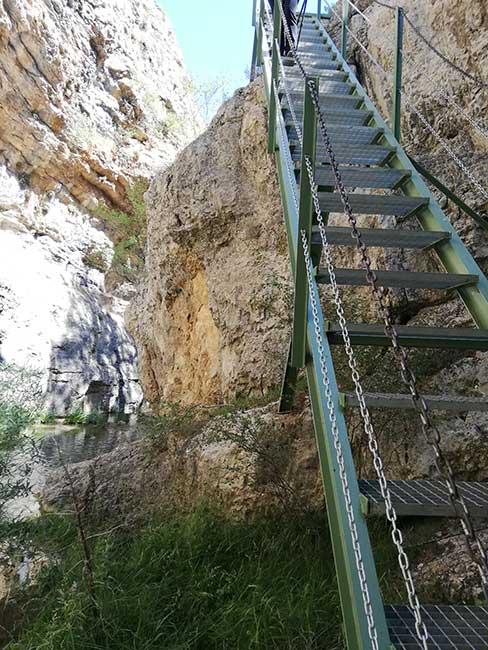 Ruta del río Blanco. Escalera