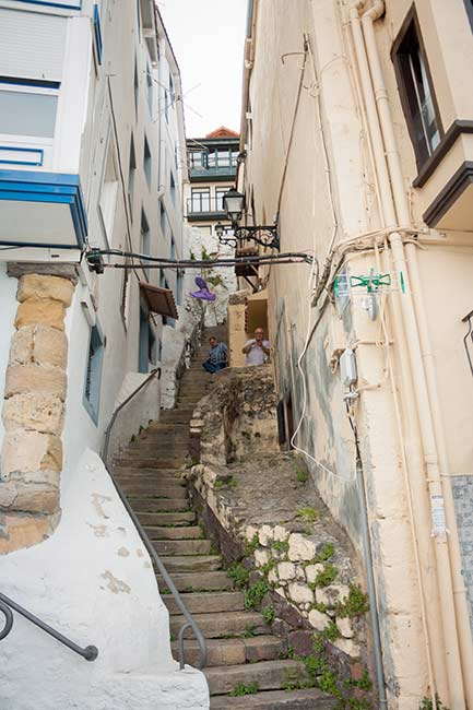Calle con escaleras de Bermeo
