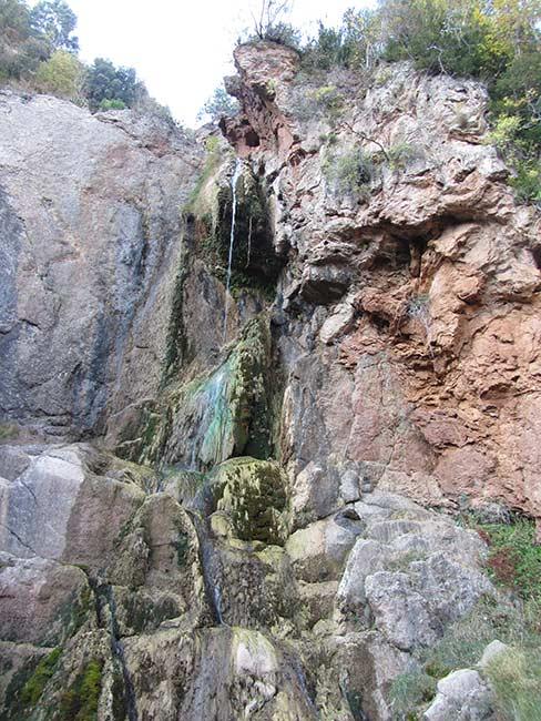 Cascada en la foz de Salinas