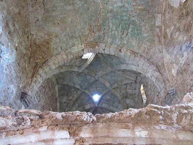 Pueblo Salinas Viejo. Interior de la iglesia